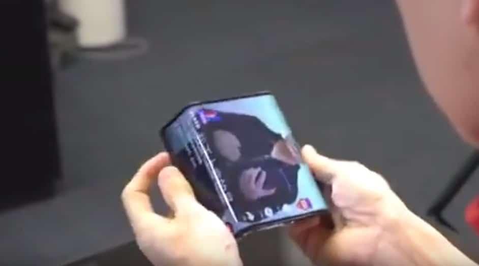 נשיא שיאומי מציג את הסמארטפון הגמיש של החברה; צפו בוידאו