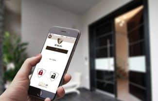ג'ירפה בודקת: LockApp – מנעול חכם לדלת מבית רב בריח