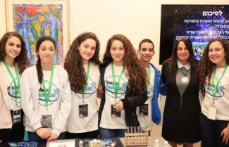 גאווה ישראלית: תלמידי תיכון מחמישה בתי ספר ישלחו ניסויים לחלל