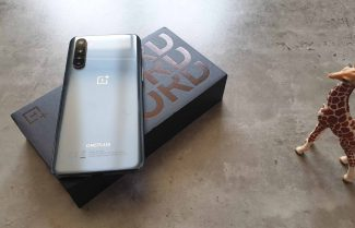 ג׳ירפה פותחת: התרשמות ראשונית ופתיחת קופסה של OnePlus NORD