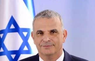 השר כחלון חתם על צו הוזלת מכשירי הסלולר בישראל; המפעילות כבר מגיבות