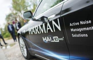 חברת Harman חושפת טכנולוגיה ה״רואה״ דרך מכוניות חונות ומעבר לפינות