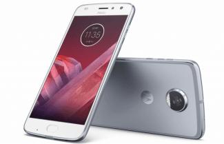 """הוכרז: Moto Z2 Play – מסך 5.5 אינץ, עובי 5.99 מ""""מ וסוללת 3,000mAh"""