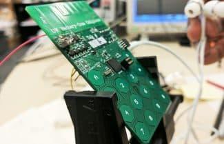 """חוקרים פיתחו מכשיר סלולרי שעובד ללא סוללה – """"רק בעזרת האוויר"""""""