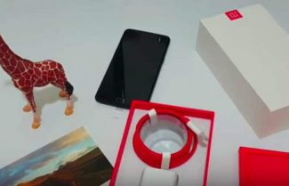 ג'ירפה פותחת קופסה: OnePlus 5