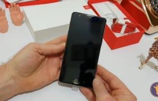ג'ירפה פותחת קופסה: OnePlus 3T