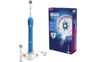 מוצר היום באמזון בריטניה: מברשת שיניים חשמלית Oral-B Pro 3000