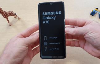 ג'ירפה בודקת: פתיחת קופסה והיכרות ראשונית עם ה-Galaxy A70