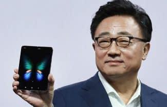 """מנכ""""ל סמסונג: """"זה מביך, הוצאנו את ה-Galaxy Fold לפני שהיה מוכן"""""""