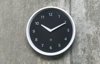 דבר לקיר: השעון החכם של אמזון יוצא למכירה מוקדמת; המחיר 30 דולרים