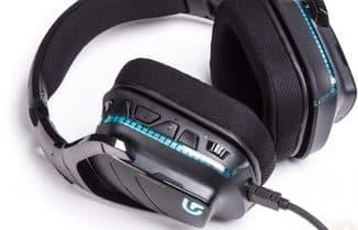 אוזניות גיימינג מקצועיות Logitech G933 במחיר מבצע!