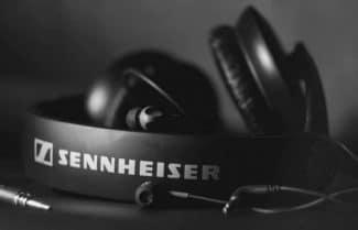 סנהייזר משתפת פעולה עם סמסונג להביא אוזניות חכמות למכשירי אנדרואיד