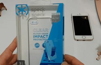 ג'ירפה בודקת: כיסוי מגן לאייפון של חברת Speck